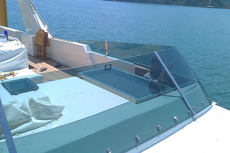 Tekne siperlik cam değişimi